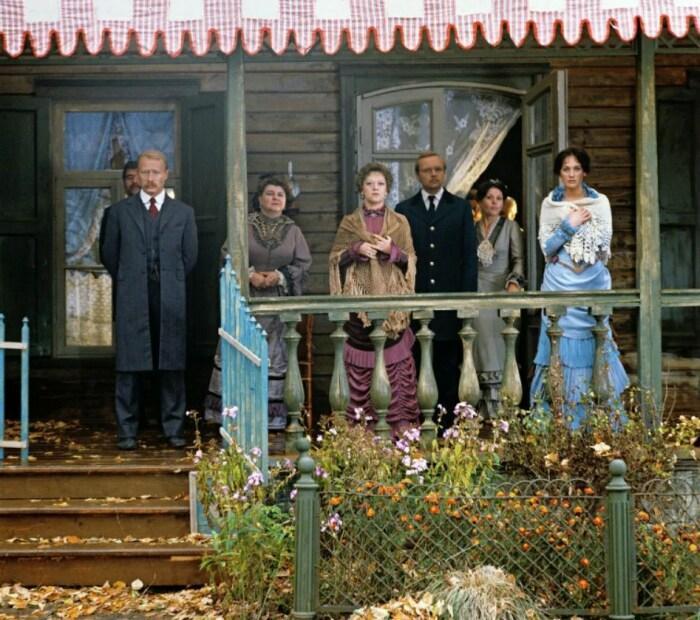 Кадр из фильма «Жестокий романс». / Фото: www.kinopoisk.ru
