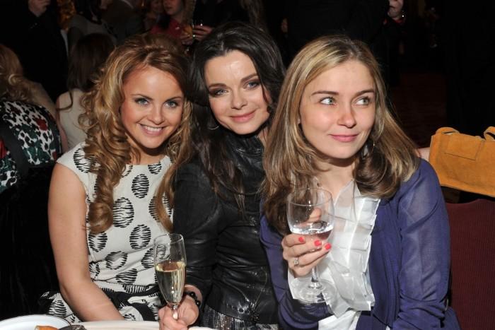 Юлия Проскурякова, Наташа Королева и Юлия Николаева. / Фото: www.woman.ru