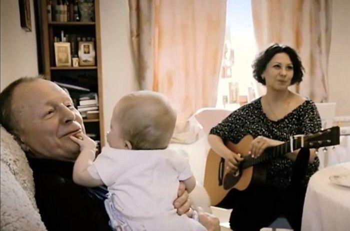 Борис Галкин с женой и дочерью. / Фото: www.vokrug.tv