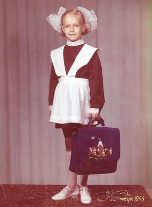 Ольга Ломоносова в детстве. / Фото: www.kinotime.org