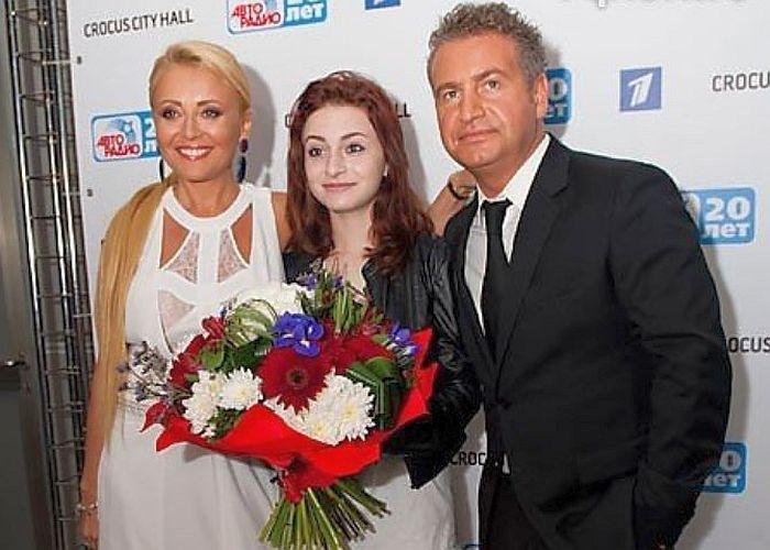 Анжелика Варум и Леонид Агутин с дочерью. / Фото: www.hotgeo.ru