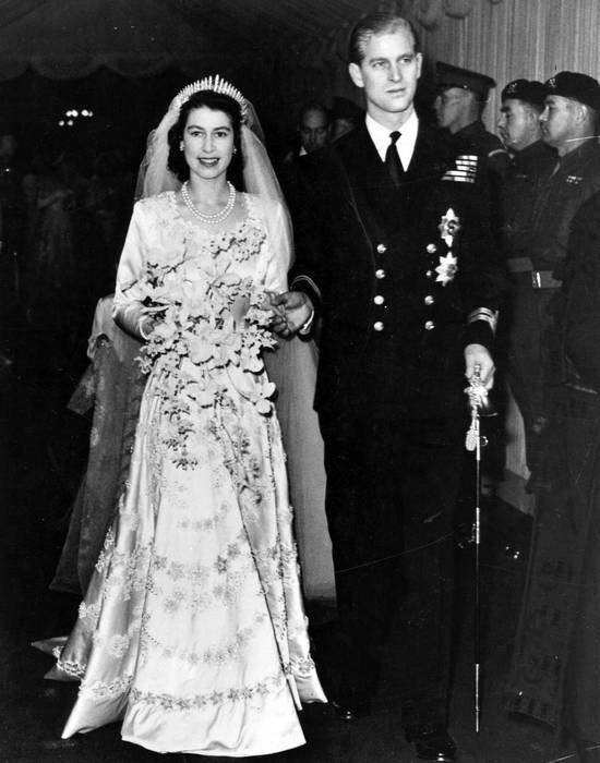 Елизавета II и принц Филипп в день свадьбы. / Фото: www.imperor.net
