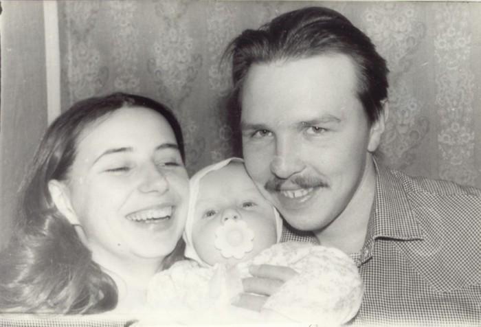 Ольга Королёва и Гарик Сукачёв с сыном. / Фото: www.feelee.ru