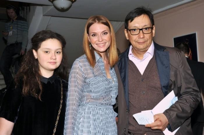 Любовь Толкалина и Егор Кончаловский с дочерью. / Фото: www.woman.ru