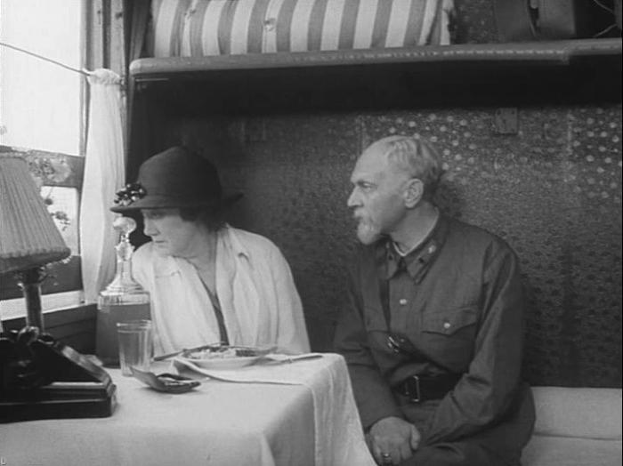 Кадр из фильма «На всю оставшуюся жизнь». / Фото: www.tvkultura.ru