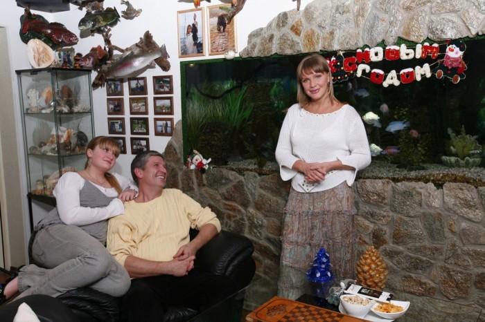Елена Проклова и Андрей Тришин с дочерью. / Фото: www.woman.ru