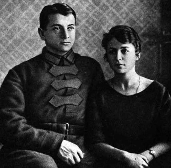 Михаил Тухачевский с женой Ниной. / Фото: www.qna.center