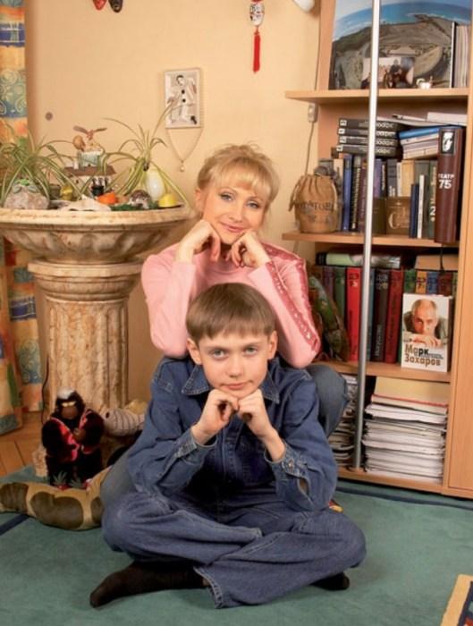 Ольга Прокофьева с сыном Сашей. / Фото: www.pro-n.ru