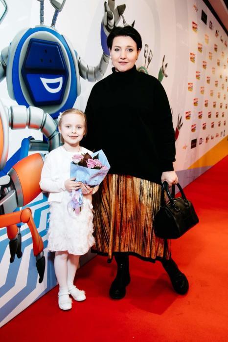 Инга Оболдина с дочерью Кларой. / Фото: www.ok-magazine.ru