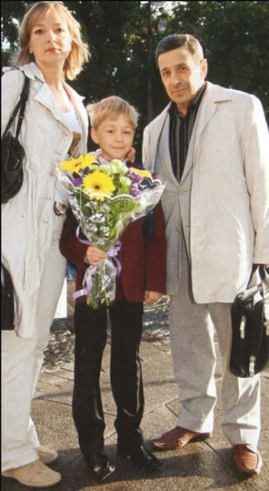 Борис Смолкин с женой и младшим сыном. / Фото: www.allstars.pp.ru