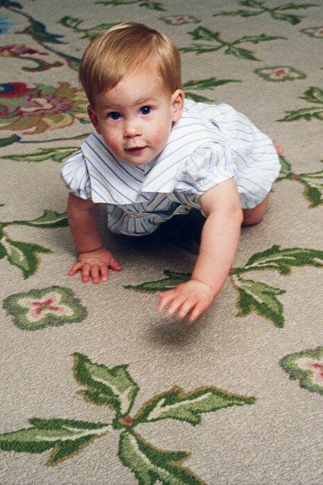 Принц Гарри в детстве. / Фото: www.pinimg.com
