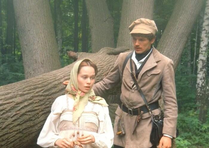 Кадр из фильма «Барышня-крестьянка». / Фото: www.kinopoisk.ru
