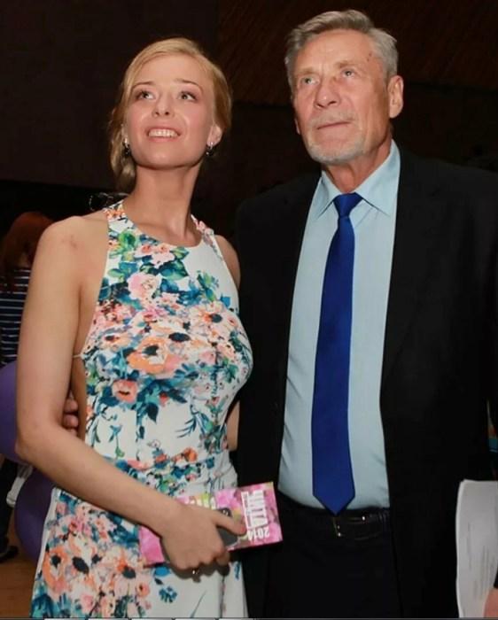 Александр Михайлов с дочерью Анастасией. / Фото: www.yandex.net