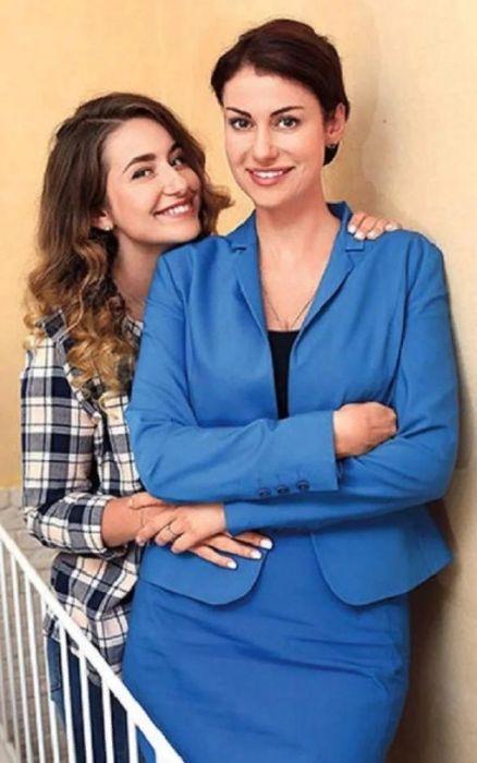 Анна Ковальчук с дочерью. / Фото: www.nastroy.net