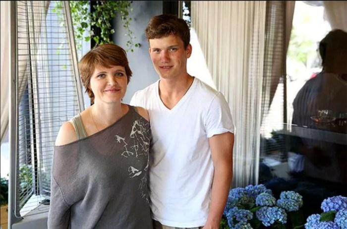 Авдотья Смирнова с сыном. / Фото: www.hellomagazine.com