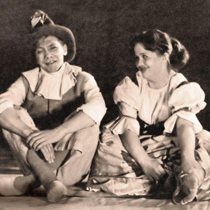 Наталья Гундарева и Владислав Долгорукий в спектакле ТЮМа в 1960-е. / Фото: www.7days.ru