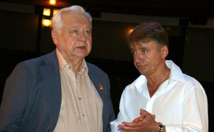 Антон и Олег Табаковы. / Фото: www.argumentiru.com