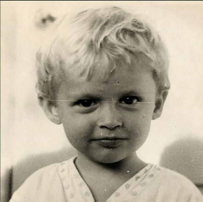 Александр Васильев в детстве. / Фото: www.vassiliev.com.ru