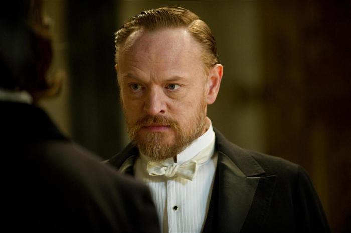 Джаред Харрис играет профессора Джеймса Мориарти в «Шерлок Холмс: Игра теней». / Фото: www.deseretnews.com