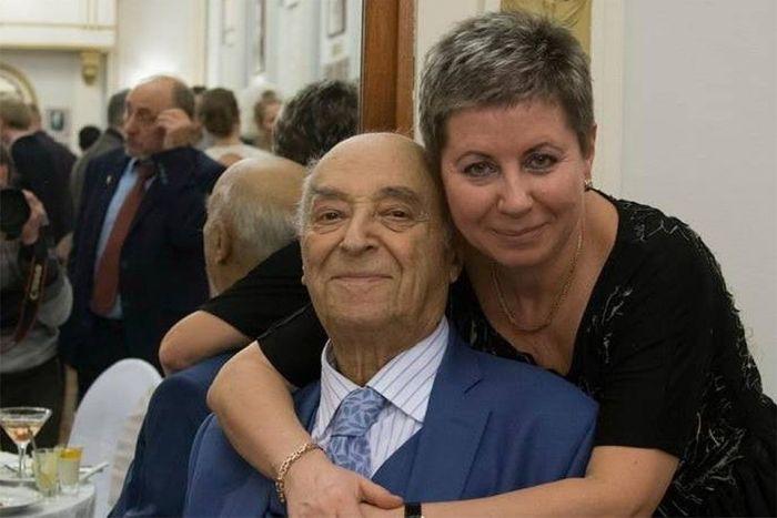 Владимир Этуш с женой Еленой. / Фото: www.kpcdn.net