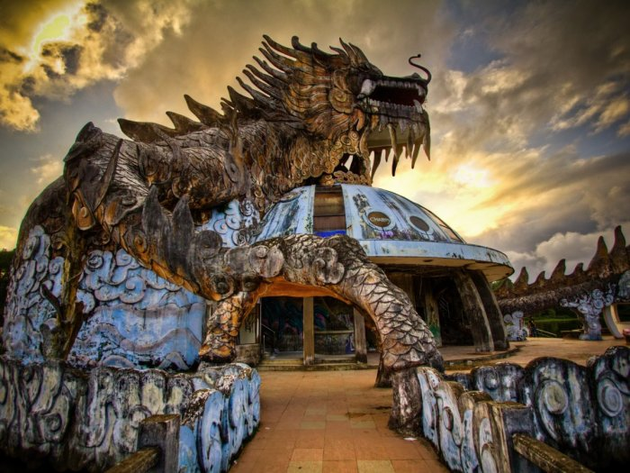 Заброшенный аквапарк Хюэ, Вьетнам. / Фото: www.insider.com