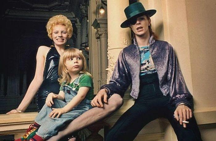 Дэвид Боуи и Анджела Барнетт с сыном. / Фото: www.womanadvice.ru