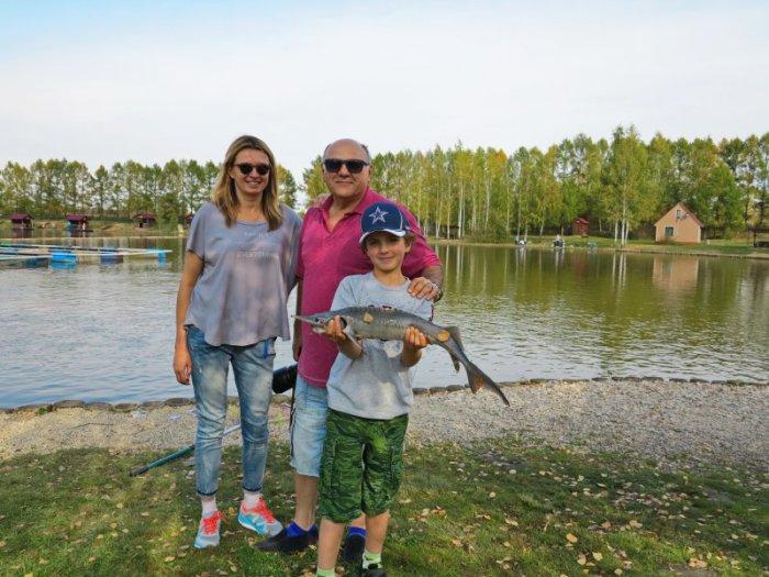 Сергей Газаров с женой и младшим сыном. / Фото: www.goldsazan.ru