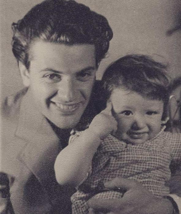 Александр Ширвиндт с сыном. / Фото: www.24smi.org