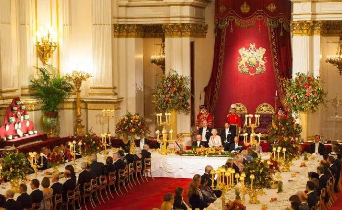 Во время официального приёма. / Фото: www.vladtime.ru