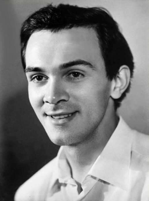 Муслим Магомаев в молодости. / Фото: www.yandex.net