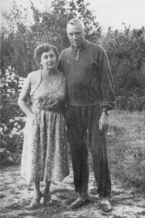 Константин Рокоссовский с женой. / Фото: www.rg.ru