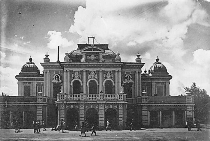 Омский драматический театр в середине ХХ века. / Фото: www.omsk.land