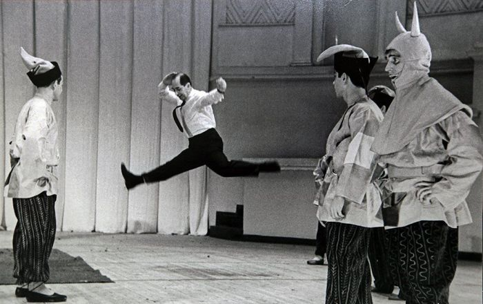 Игорь Моисеев во время работы. / Фото: www.moiseyev.ru