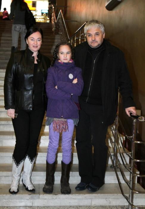 Лариса Гузеева и Игорь Бухаров с дочерью. / Фото: www.gallery.ru
