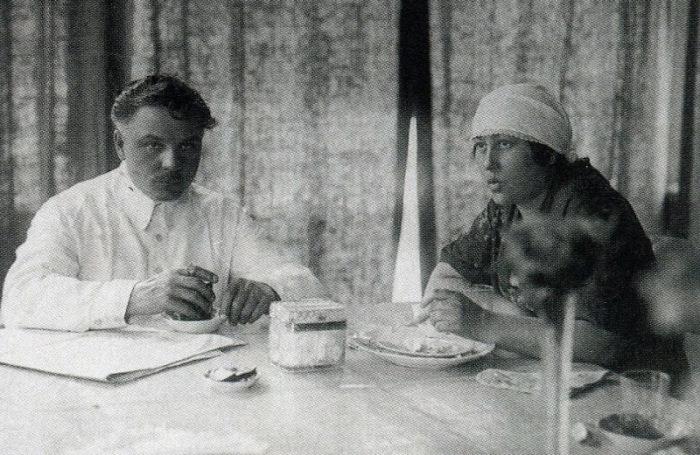 Климент и Екатерина Ворошиловы. / Фото: www.tunnel.ru