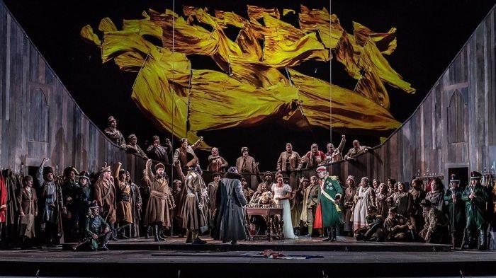 Сцена из оперы «Война и мир» Сергея Прокофьева. / Фото: www.bbci.co.uk