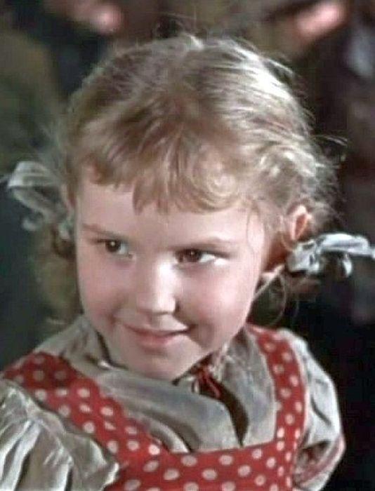 Анна Каменкова, кадр из фильма «Девочка ищет отца». / Фото: www.pimpam.ru