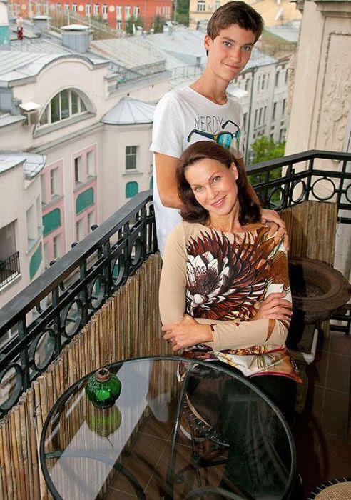 Ирина Чериченко с сыном. / Фото: www.7days.ru