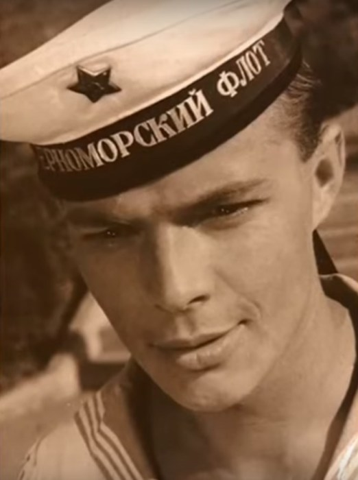 Лев Прыгунов, кадр из фильма «Увольнение на берег». / Фото: www.russia.tv