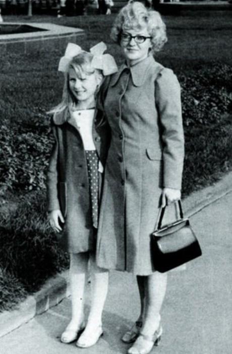 Рената Литвинова с мамой Алисой Михайловной. / Фото: www.yastart.ru