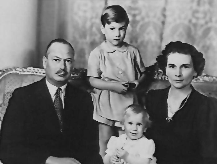 Герцог и герцогиня Глостерские с сыновьями. / Фото: www.wikimedia.org