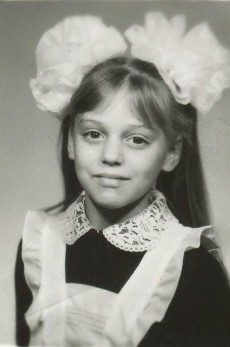 Нелли Уварова в детстве. / Фото: www.ramtograf.ru