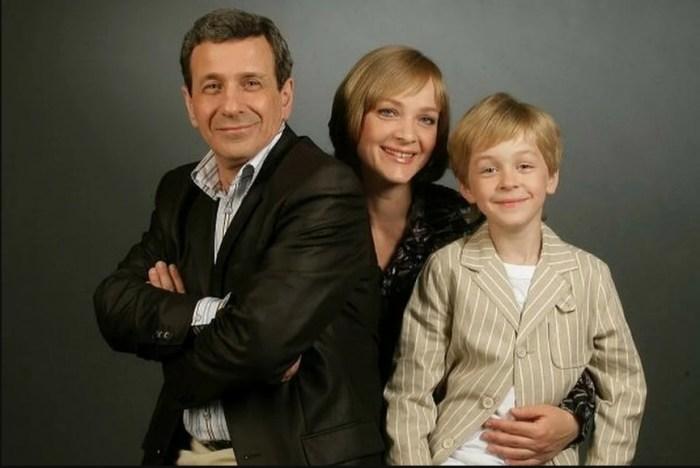 Борис Смолкин с женой и младшим сыном. / Фото: www.yandex.net