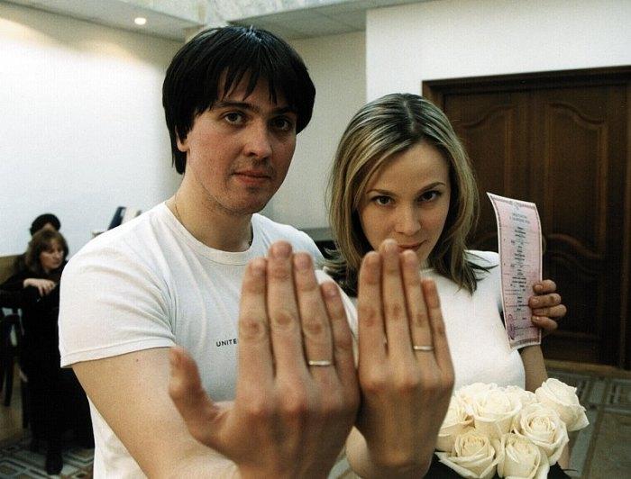 Мария Куликова и Денис Матросов в день свадьбы. / Фото: www.rustars.tv