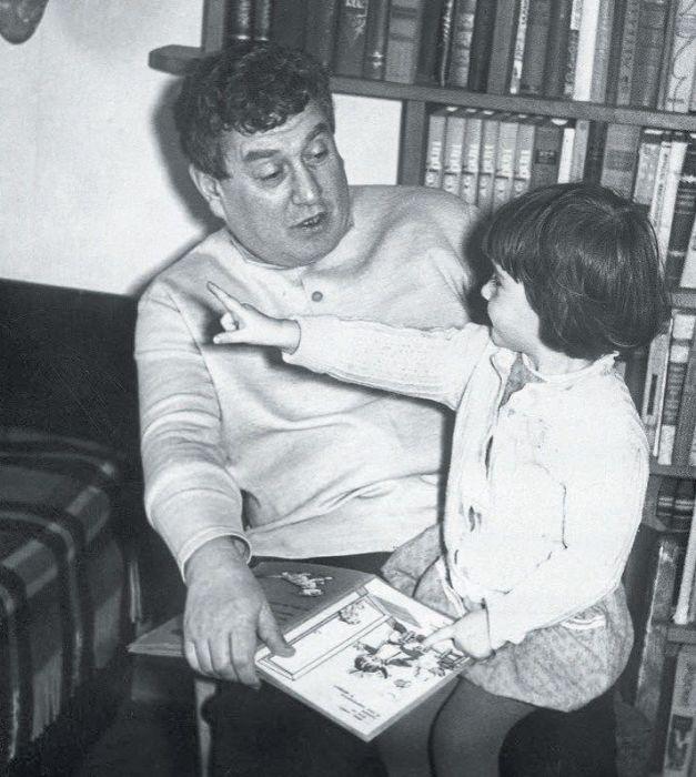 Виктор Драгунский с дочерью Ксенией. / Фото: www.story.ru