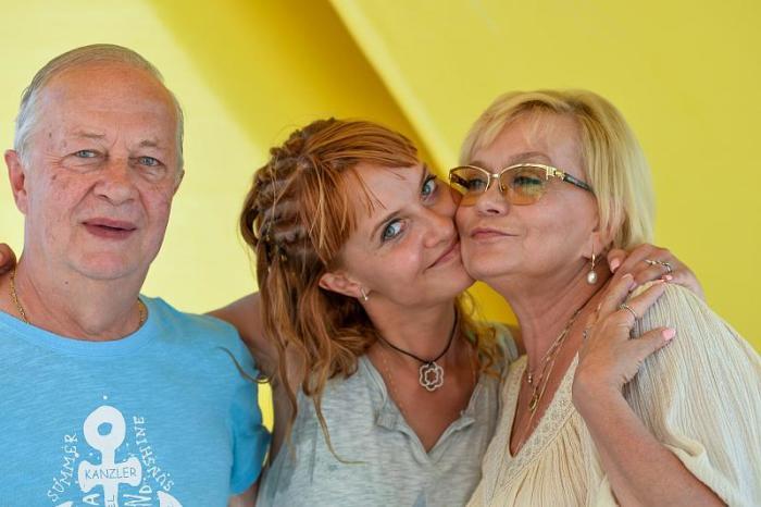 Ирина Шевчук с мужем и дочерью. / Фото: www.kubnews.ru