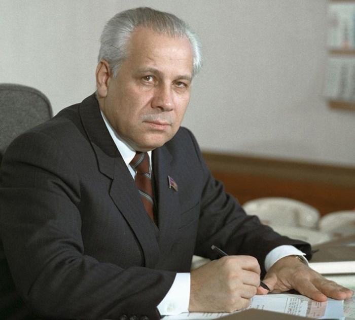 Анатолий Лукьянов. / Фото: www.twimg.com