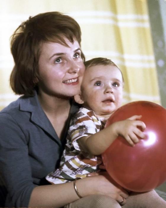 Людмила Крылова с сыном. / Фото: www.24smi.org