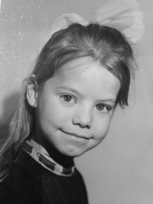 Яна Поплавская в детстве. / Фото: www.biographe.ru