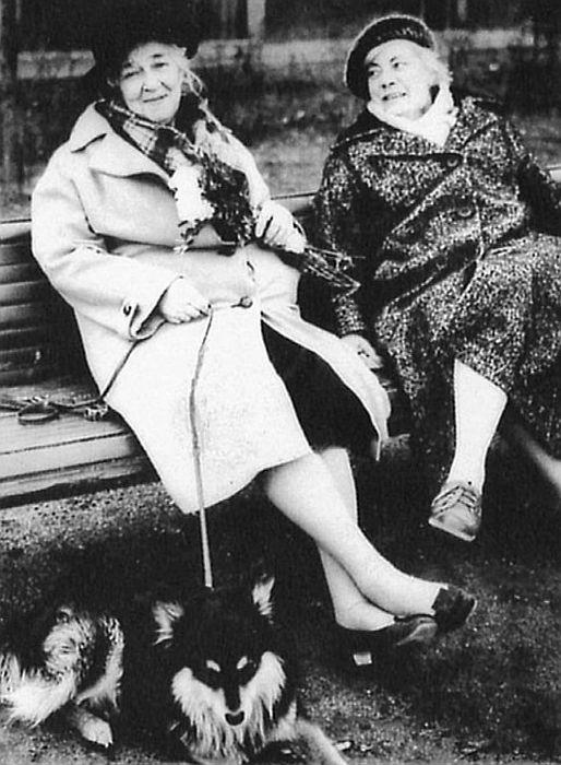 Две сестры. / Фото: www.f-ranevskaya.ru